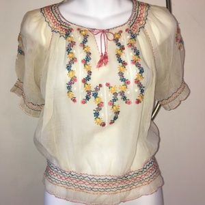 Beautiful vintage Hungarian embroidered blouse S
